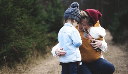 Hvorfor slår 3 årig sin mor?